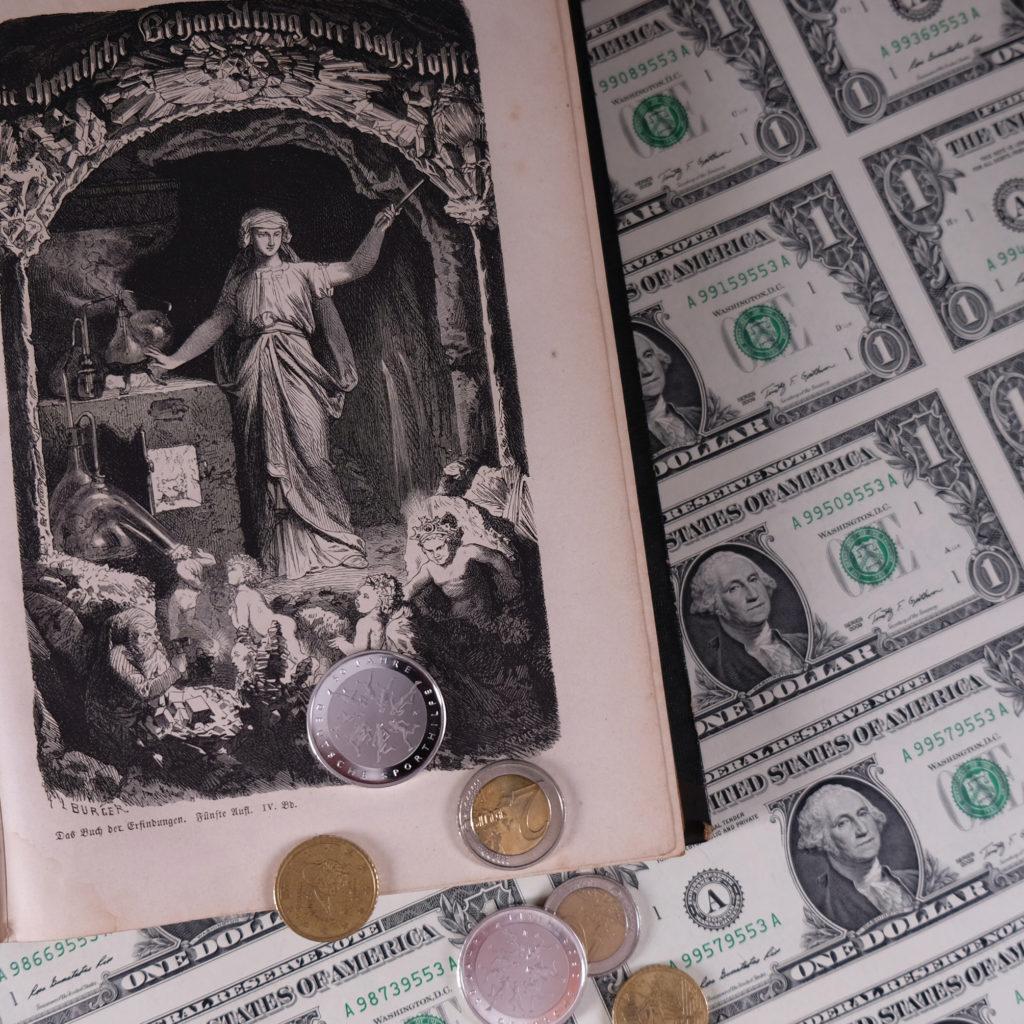 Dollar-Noten, Justizia, Silber-Münzen
