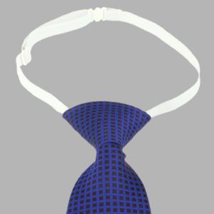 Blaue Krawatte mit weißem Gummizug